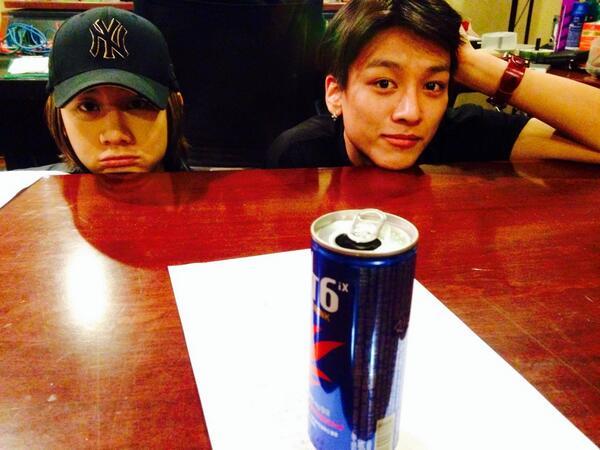 2013년 마지막 녹음 w/ Lunafly. 한국도착하자마자 고생한다 이늠들. @Sin931207 @s_yunny @SamCarterSC 2014년 핫팅!! http://t.co/G6Q0mDtYwh
