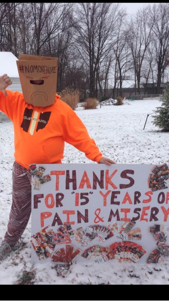 Will Burge (@WillBurge): And here is the fan in Berea w the sign...just realized its 1 of my friends