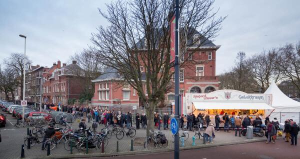 Ondertussen bij de beste oliebollenbakker van nederland... http://t.co/eHyL3Kx9iW #richardvisser
