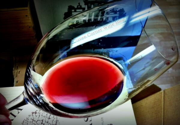 """I had a fling with beer, a passionate affair with Cognac, but the love of my glass is #wine"""" ~ Nicholas Oakes http://t.co/hXQ3i1wdgY"""