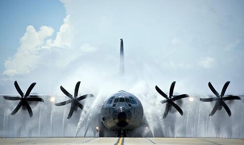 "WC-130 Hurricane Hunter ""Photo"" goes viral http://t.co/qcmKMGGeuG http://t.co/KGncgIL2NL"
