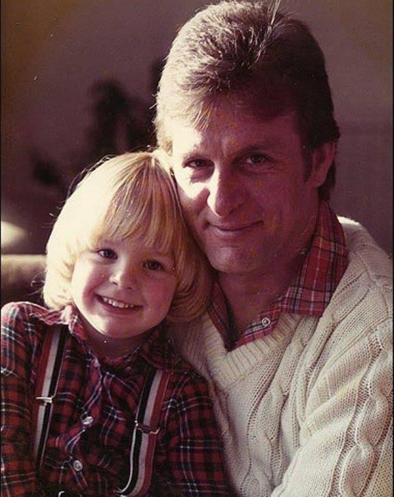 Young @JensonButton with John Button! #RIPJohn http://t.co/Ie7268wG8B