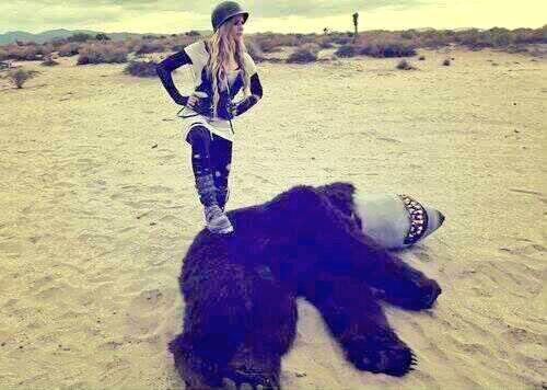 Avril fighting a bearshark #RNRWeek http://t.co/uIJb3GkjIe