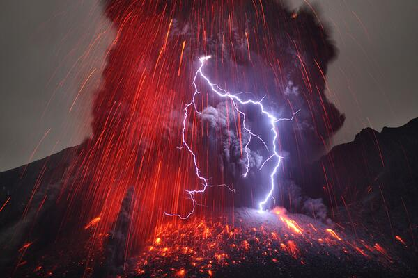 Check out our list of cool natural events --like volcanic lightning! http://t.co/ONDdtLV5oW   (photo by @Caters_News) http://t.co/uGHxXDSBxs
