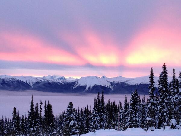 Wow! #skiBC RT @staekema: View from @HudsonBayMtn in Smithers! Unedited if you can believe it! #gorgeous http://t.co/u5UzAO7kYp