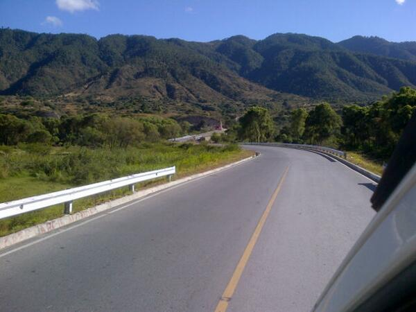 RT @daniriv37: Tengo la dicha de conocer tantos lugares y bellos paisajes.. @TutiFurlan http://t.co/lAj2XBGjzI