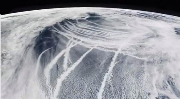 Maybe they are #melting #polar #ice for more #OIL w/ #Haarp?  #Chemtrails as seen from space !!! http://t.co/lNXZeG1BL3