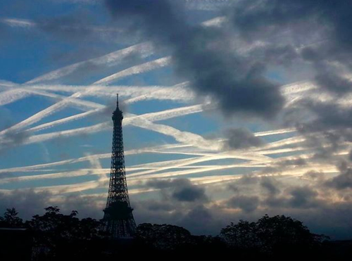 I'd always been skeptical about #Chemtrails, but this is very convincing http://t.co/9P6eBaIHDx / @RebelMouse