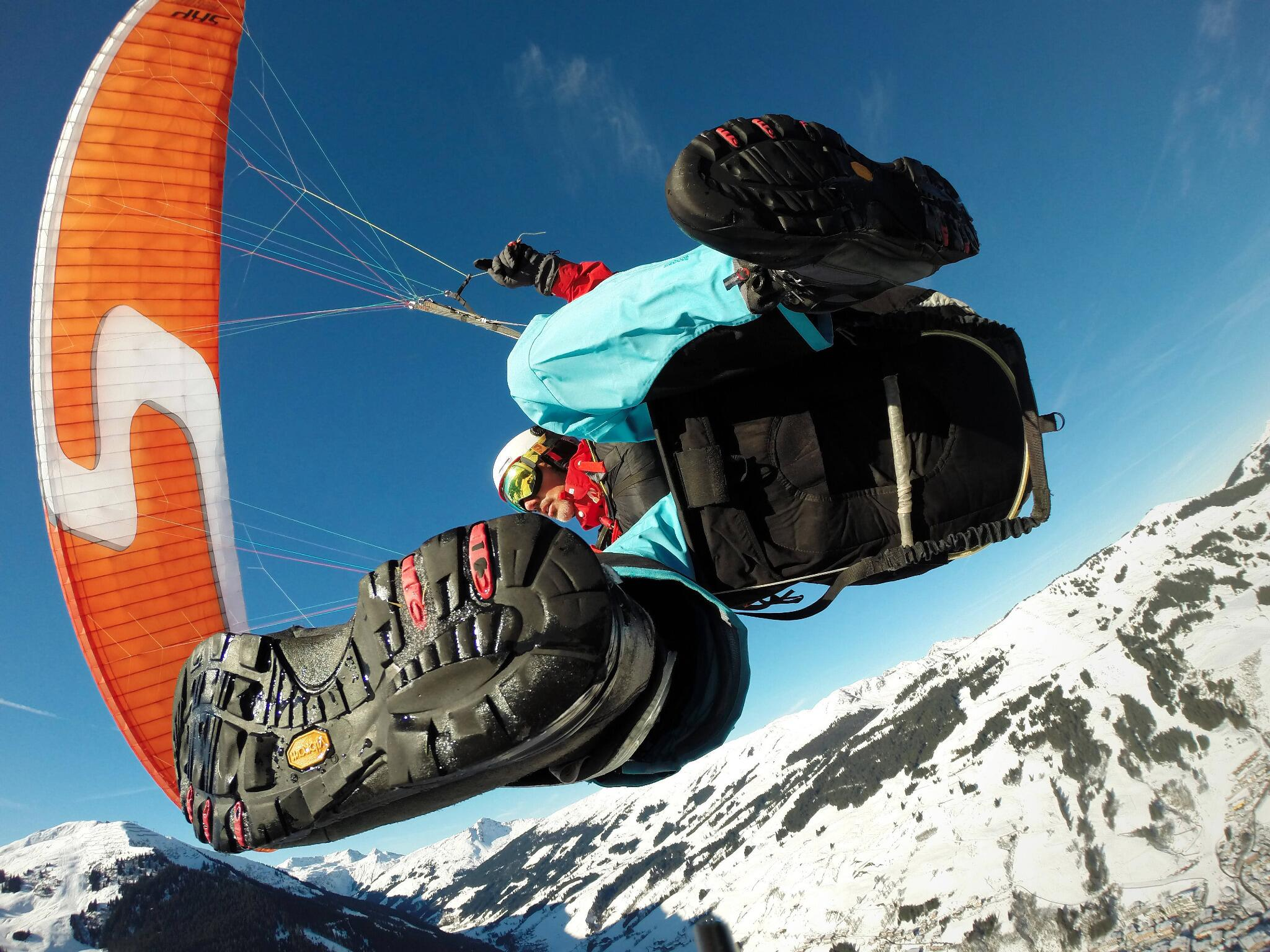 Paragliding in Saalbach-Hinterglemm, Austria with @duelago. http://t.co/nN2uZs29WP