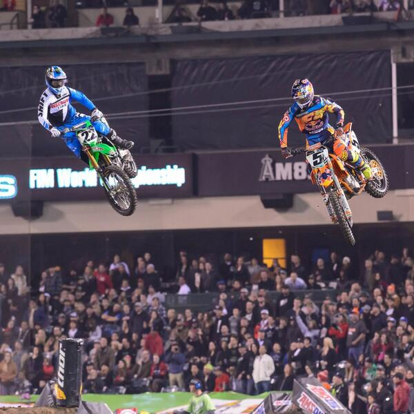Great job @RyanDungey and @CRtwotwo on solid 2nd and 3rd finishes at the season opener. On to Phoenix for Round 2. http://t.co/cIdRRALyUk