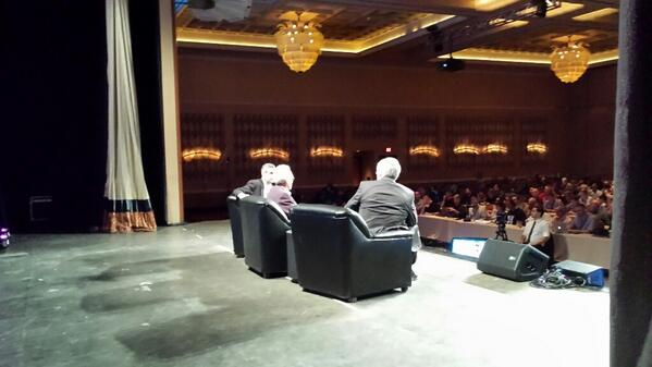 My backstage view of podcasting keynote with @leolaporte @noahshan @PodcastOne #nmx #podcasting http://t.co/vtafVCg0Ue
