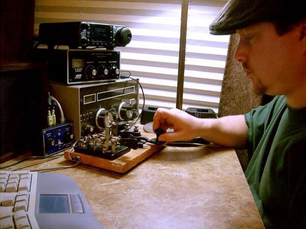 I love Morse code radio telegraphy! #hamr #hamradio #swl #arrl http://t.co/Lsp5T39pxm
