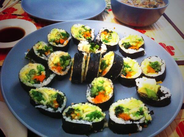 Justine made Sushi and Soup for lunch. http://t.co/fBfj96CVGF