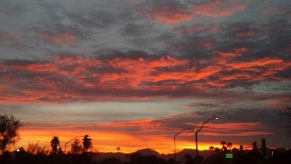 Arizona sunset tonight. #nofilter http://t.co/spCrGAecNQ