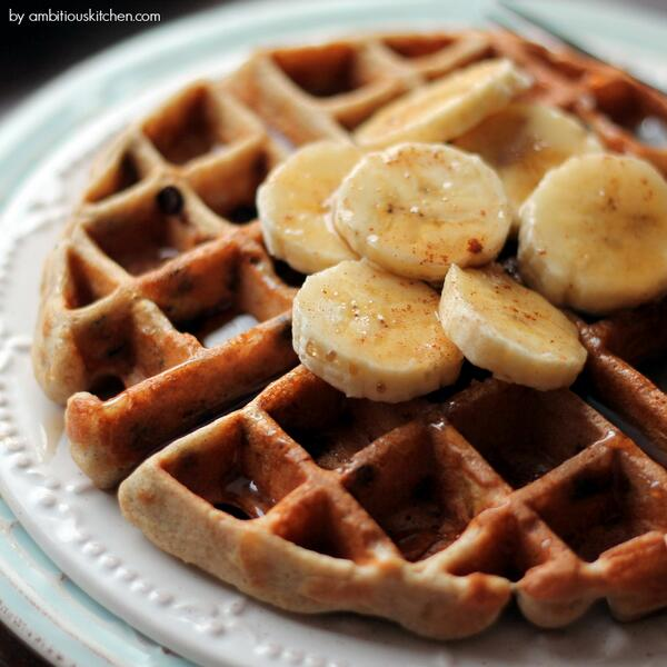 These Banana Choc Chip Quinoa Flour Waffles will blow your mind! Via @AmbitiousKitchen http://t.co/SAORiV0lMI http://t.co/BRsgb44UlH