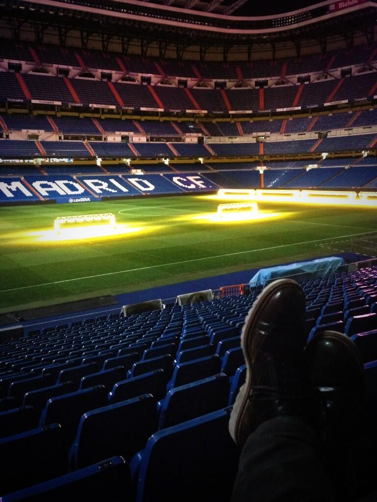 RT @XabiAlonso: Esta seguir? siendo mi casa por dos a?os m?s. Un placer comunic?roslo. Muy muy feliz ??Hala Madrid!! http://t.co/hURnYccz3W