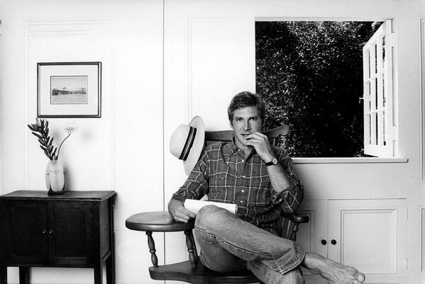 Harrison Ford in his home in Brentwood, in the early 1980s. http://t.co/d39IekkQbN