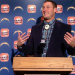 RT @jrjohn188: This is awesome. RT @USATODAYsports: The story behind Philip RIvers' bolo tie: http://t.co/RnMZSsKwSn http://t.co/lE2lHjHhJH