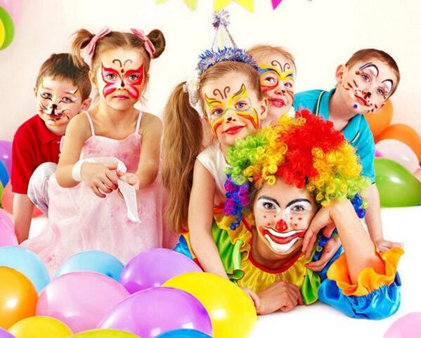 ¿Ya sabes dónde celebrar el cumpleaños de tus hijos?  Fiestas, animación y variedad. Parkelandia http://t.co/3DfM7S3jJ8