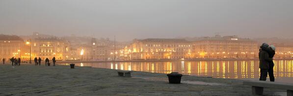 #Trieste Altro scatto di @AndreaLasorte stasera dalla testa del molo Audace @TriesteSocial http://t.co/2PyC1c1jsS
