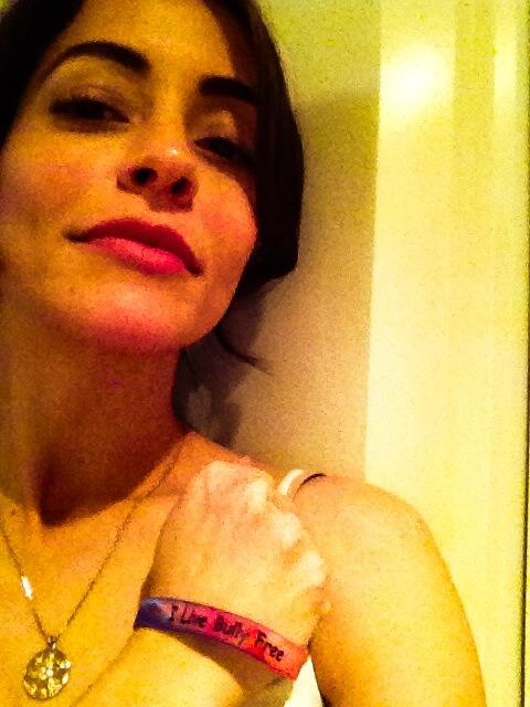 Emmanuelle Vaugier (@evaugier): Thank you @BulliesKeepOut @DanaJacoviello i will wear my bracelet proudly! :-) http://t.co/x6G8ZDcN2T