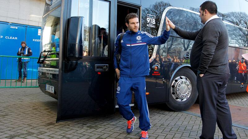 Juan Mata is again on the bench for Chelsea as they take on Hull: http://t.co/lb4RbEYEp0 http://t.co/9jyJNN1Woi