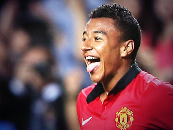 BdthpUIIYAEOlXK Man United fans use Jesse Lingards loan to Brighton as another stick to whack David Moyes with [Tweets]