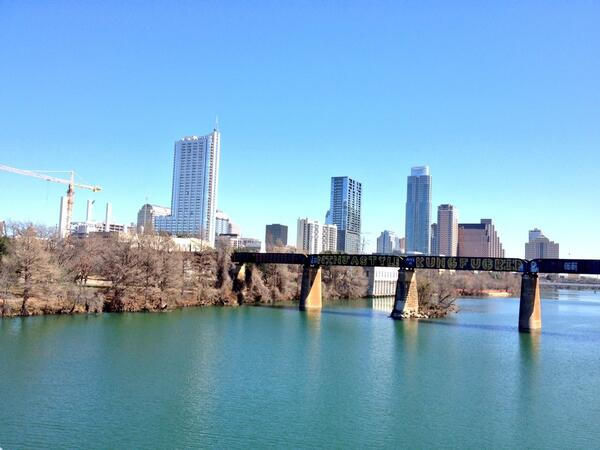 It's a beautiful day in the neighborhood. http://t.co/tx24bWpHRL