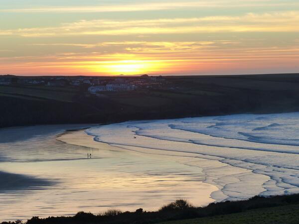 Glorious ending to a beautiful day... #Cornwall @ILoveCornwallUK @Tweet_Bus http://t.co/avCQnDbsQo