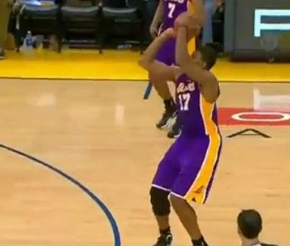 Colston went Andrew Bynum for three out there. http://t.co/Xgy94QWdQ8