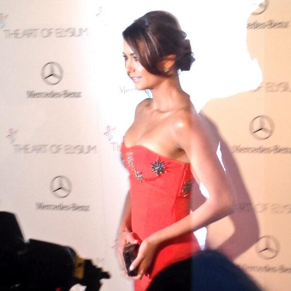 The lovely @ninadobrev poses on the 2014 #AOEHeaven red carpet. http://t.co/nXubBnPL0q