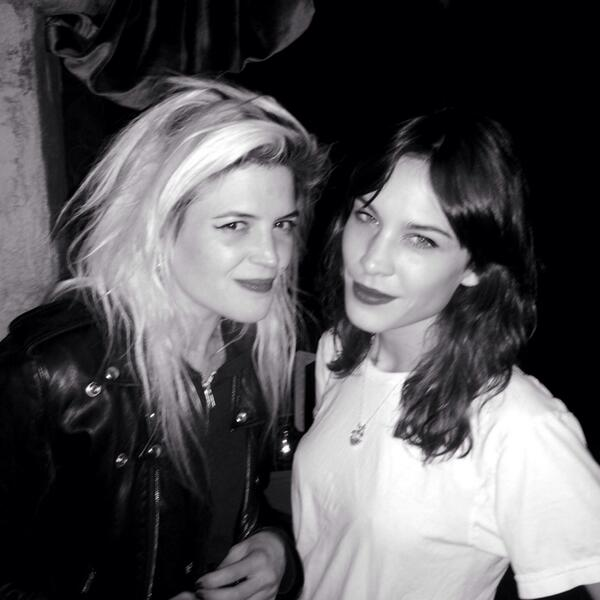Oh yes it's ladies night, oh what a night... @alexa_chung and Alison Mosshart http://t.co/IxdGf7YIQx