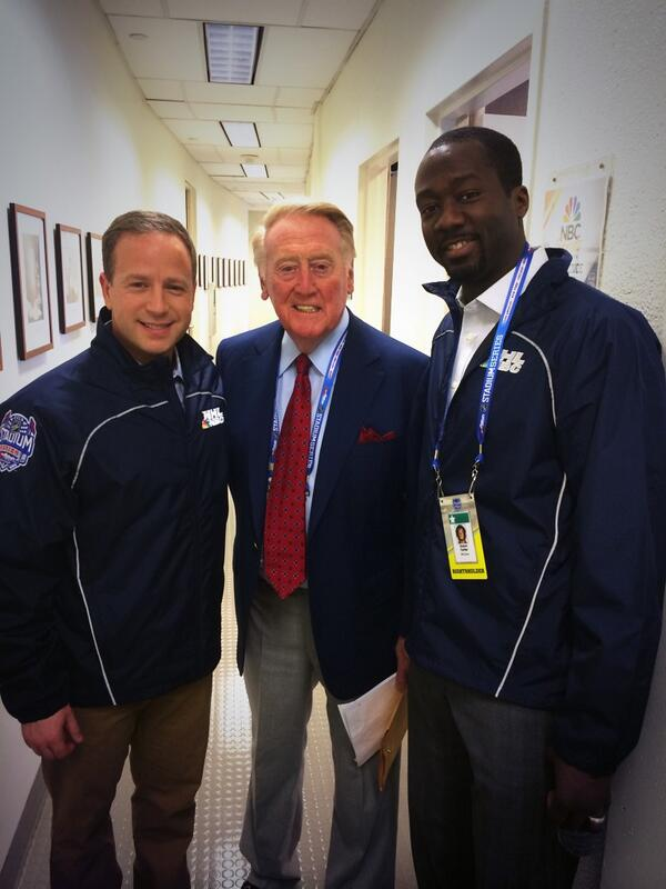 This is more like it. #legend Vin Scully and @AnsonCarterLA , too! http://t.co/m1wCnvmKo7