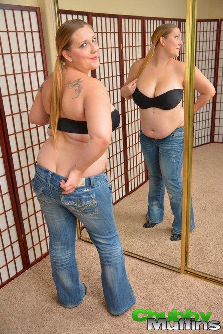 New sexy pics of @XXX_EMMAX tomorrow on http://t.co/g4Ay0wVPuL #bigboobs #curvygirl #bbw http://t.co