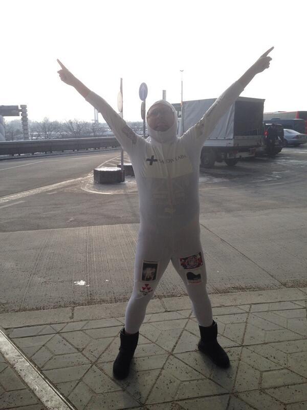 ベルリンにアップロード完了ぅぅぅぅ!!!!ついたぞー!!!!#インターネットおじさん http://t.co/1BXRNFq5Br
