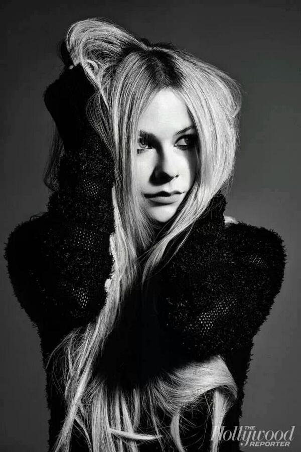 #TheHollywoodReporter with @AvrilLavigne - Bom Dia - Good Morning http://t.co/sTf1Ufg9hL