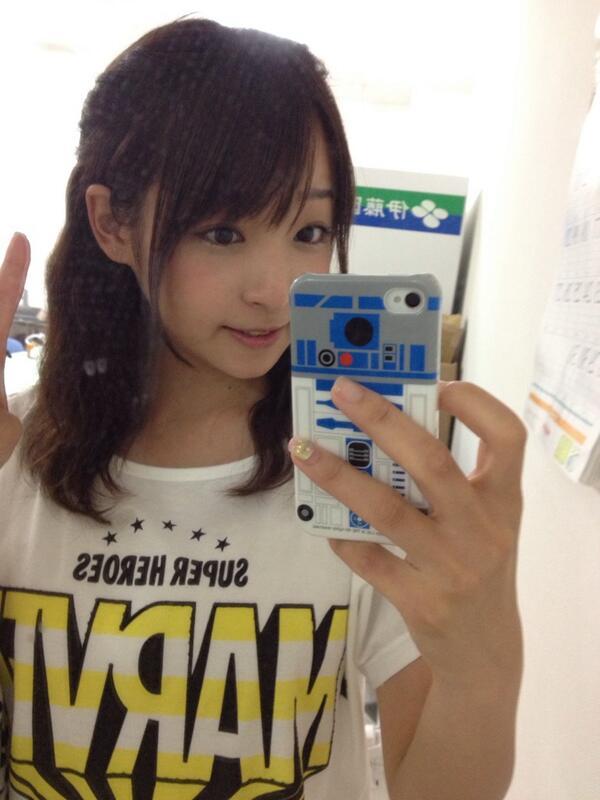 部長〜あたしもMarvel Tしゃつ持ってる\(^o^)/しまむらの!笑 RT @yukakuramoti: このmarvelTシャツ、しまむらで買ったんだ…   #グラドル自画撮り部 http://t.co/KfvIAfvVRe