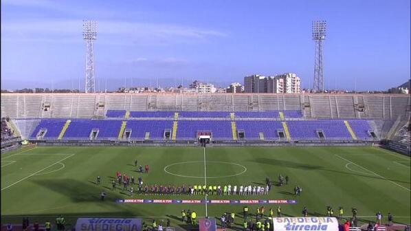 スタンド老朽化で開放してないんです。 RT @soccerugfilez: なんだこれーーーーーー 客少くねーーーーーーーーーーーーー ロシアリーグのほうが客は多いぞ!セリエA!!! http://t.co/d6mJp85BbW