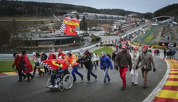 Hundreds of Michael Schumacher fans have held a march in Spa today in support of him http://t.co/23pyu3KMeM (via BravoFernandoF1) #F1