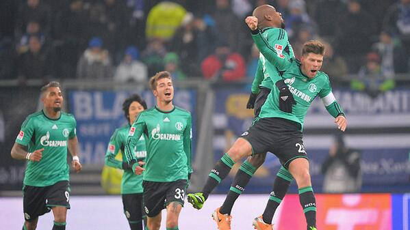 Be7F4EKCUAAu43M Schalkes Klaas Jan Huntelaar marks his return from injury with a goal against Hamburg [video]
