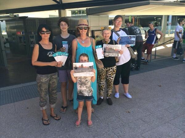 #Perth protestors yesterday, getting 95% support against the #shark cull in WA #noWASharkCull  Pls RT http://t.co/ZbXh5tUkOE
