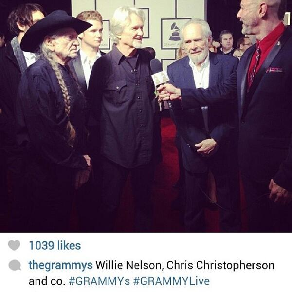 This pic from the official #GRAMMYs IG feed is a damn shame.  Someone should be fired. http://t.co/Mo6ndlVNfl