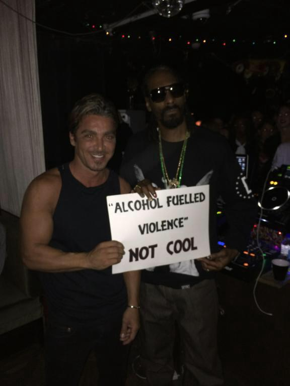 PLS RT Alcohol fuelled violence not cool @SnoopDogg http://t.co/9UXqeVjQnj