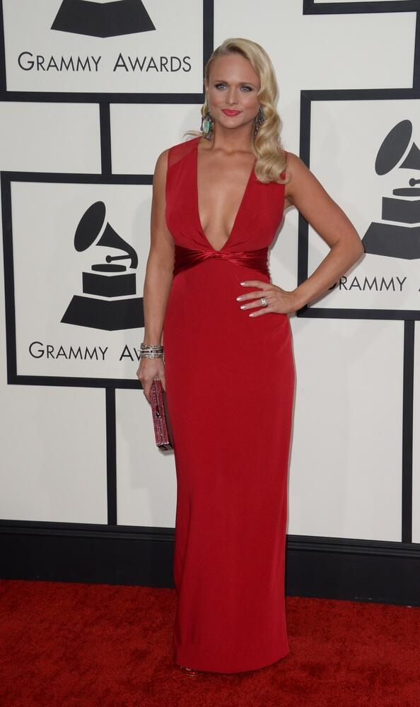 Dayumn!! @mirandalambert looks fantastic on the #Grammy carpet! @CrazyHeartsAE #crazyhearts http://t.co/GocqE4z0aW