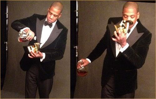 He is actually using that Grammy as a gold sippy cup. #baller http://t.co/aWwAcF8Ee2