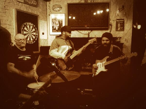 It doesn't get much better than Dub Apocalypse Sundays at @bullmccabespub #realmusic #awesome http://t.co/Df7AGHALfK
