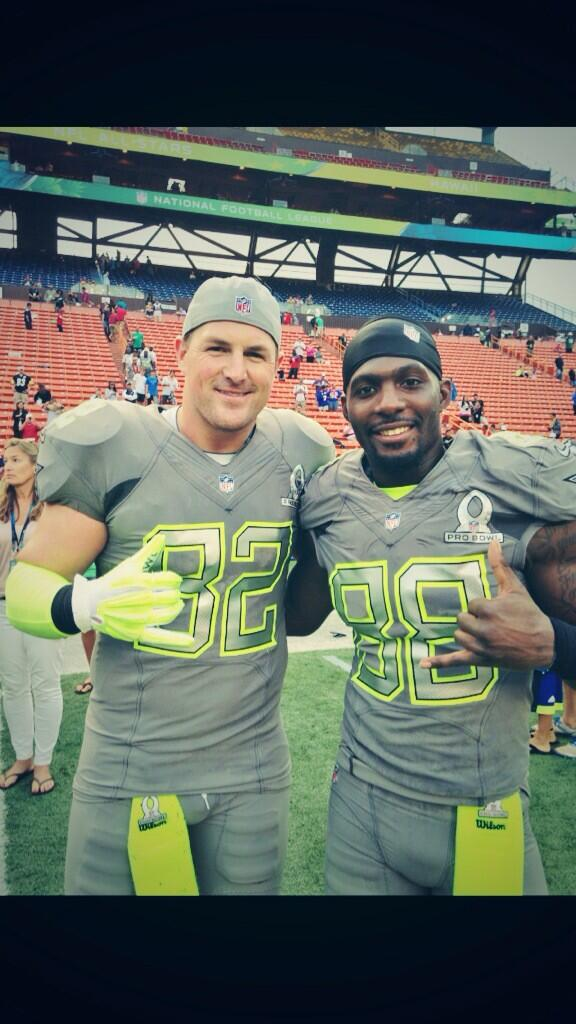 Pro Bowl 2014 was a blast! I hate that Team Sanders couldn't pull off the W but I loved having this guy on my team! http://t.co/Vaxqy8a76b