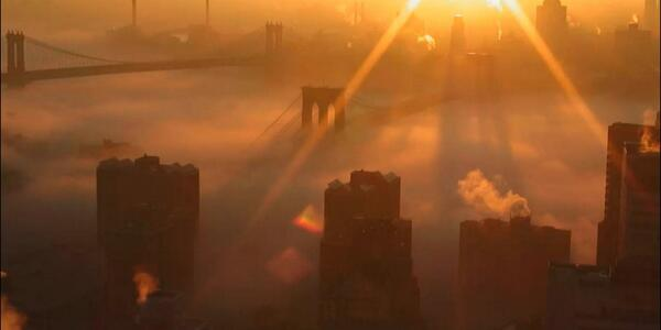 Beautiful photos of the fog in New York City this morning (Photo: @nymetrowx) http://t.co/wQmZ1R5ce1 http://t.co/obzFQKJsa1