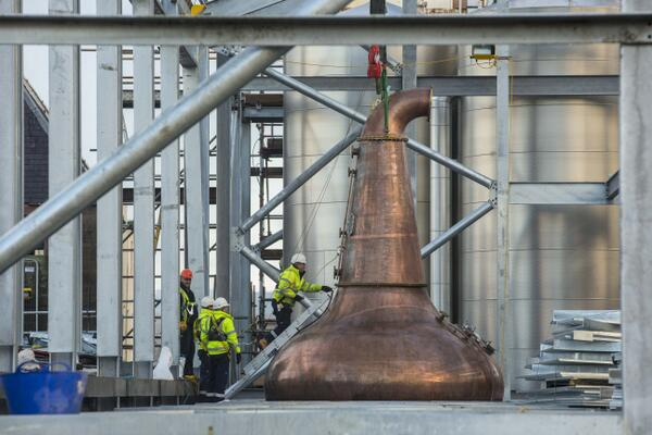 Six new copper stills were delivered today to the Glen Ord Distillery as part of the £25m expansion at the site http://t.co/XEqRqKFRIt