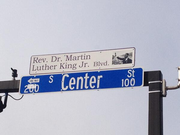 #MLK honored in #ArlingtonTX: 16 commemorative street signs added along Center Street in @DTarlington http://t.co/JtA0GIq8vS